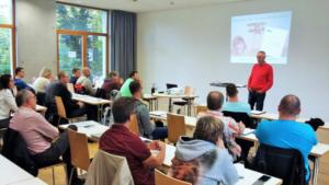 B-Trainer Fortbildung mit Schwimmsport Koryphäe Dr. Klaus Rudolph