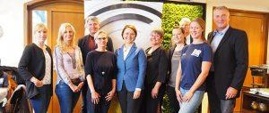 Integrationsministerin Widmann-Mauz zu Besuch beim Tübinger Schwimmverein